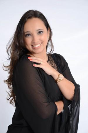 Sócia diretora da Oika Arquitetura e Cursos, formado em Arquitetura e Urbanismo pelo Centro Universitário de João Pessoa - UNIPÊ no ano de 2009 e especialista em Master em Arquitetura pelo IPOG.
